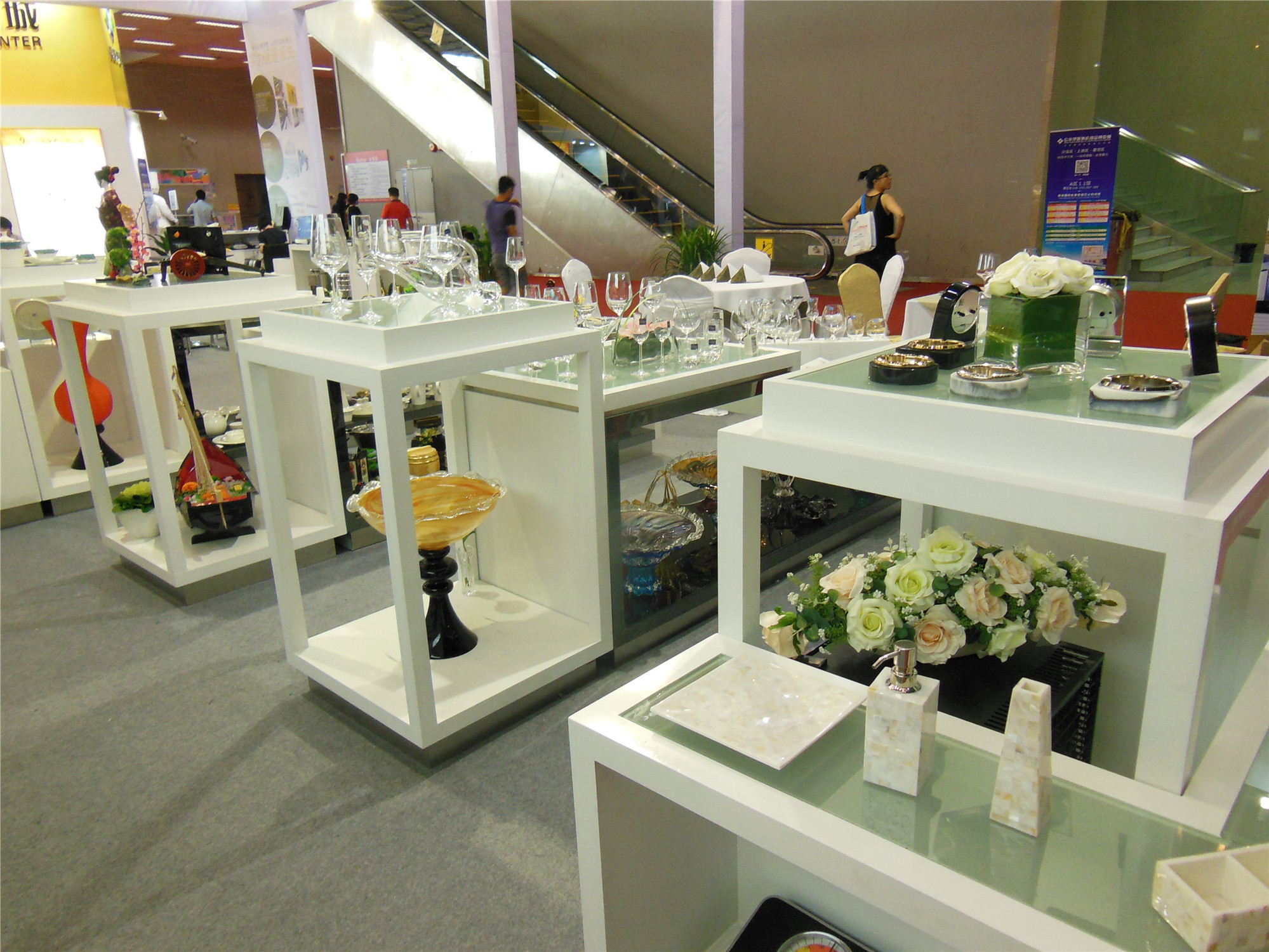 Tontile exhibition-Products