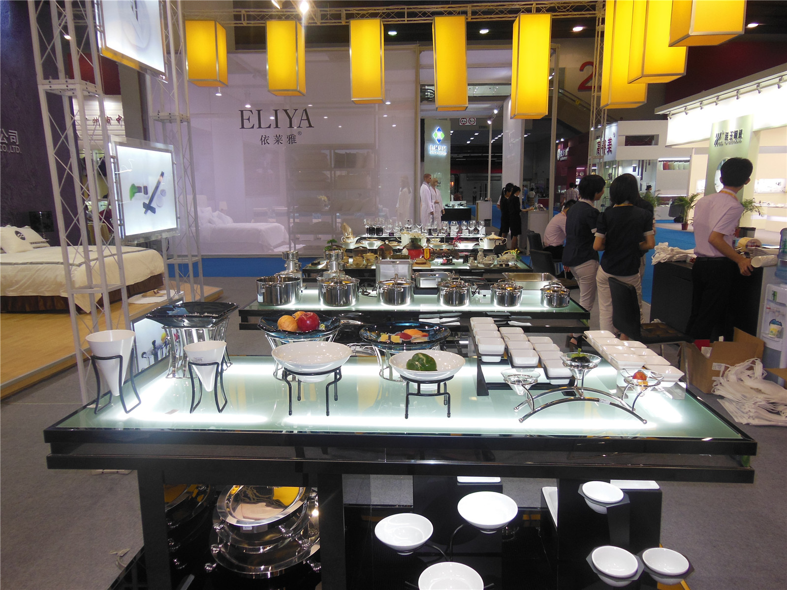 Tontile exhibition-Kitchen products 2