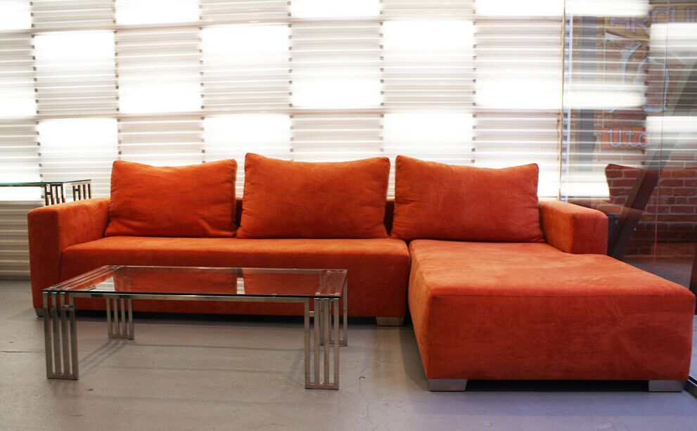 Modern Sectional Right Facing Sofa L.A09